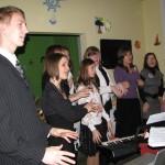 Jaunieši Ziemassvētkos ciemojas Talsu novada krīžu centrā